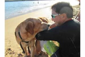 Nov 1 2012 Taking Pup Kauai on 1st field trip from Kauai Humane Society at Kalapaki Beach (12)